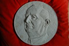 Gipsmodell für Bronzemedaillon, Familiengrab Hans Grohe, Schiltach